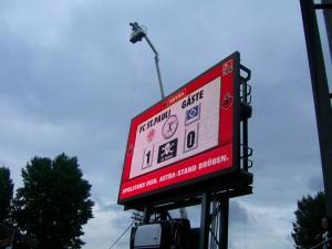 Anzeigentafel Millerntor FC St. Pauli - HSV
